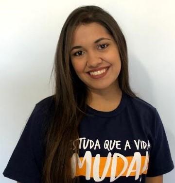 Ana Caroline de Oliveira